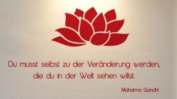 Lotusblume mit Spruch 2